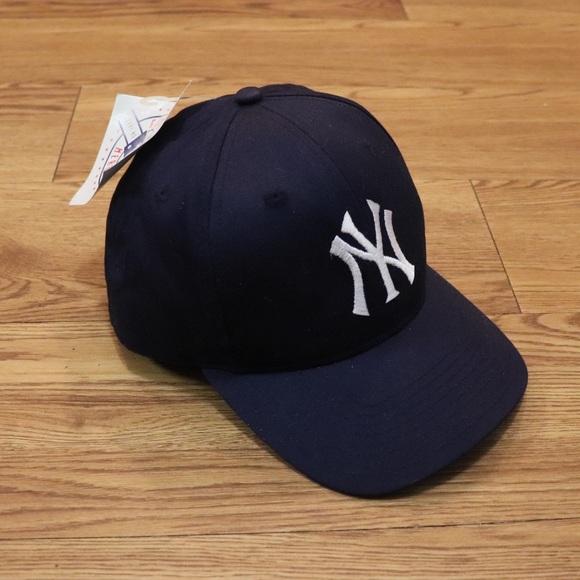 Vintage New York Yankees Snapback Hat b702ebd2cb8