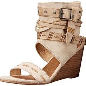Naughty Monkey Womens WEDGE TAN SANDAL SHOE