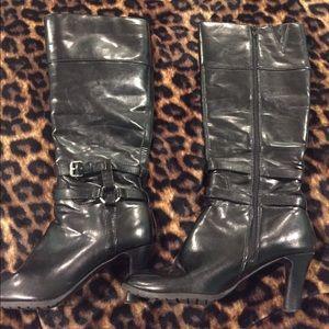 Chaps size 8.5 black boots