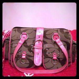 Handbags - I am selling this really cute coach bag