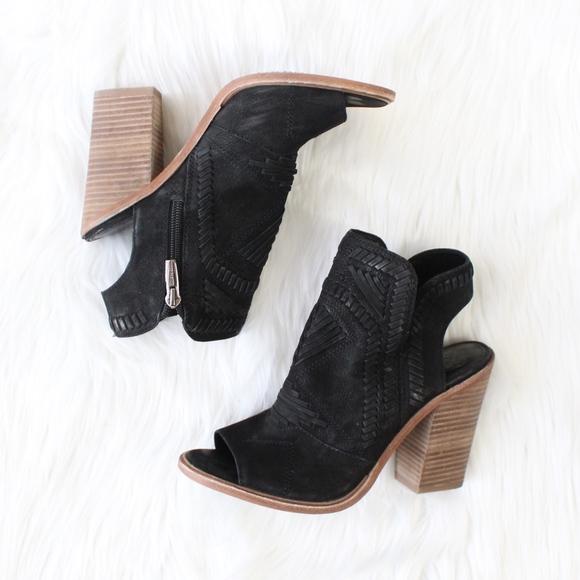7278829ea4 VINCE CAMUTO Karinta Block Heel Bootie in Black. M_5a0b88824225bee0aa013129