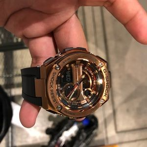 G-SHOCK. Rose Gold. New unworn