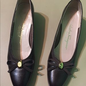 Salvatore Ferragamo Brown leather pumps size 7 1/2