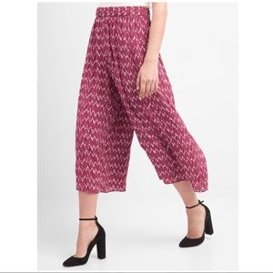 Red/White Print Culottes
