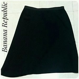 Banana Republic Skirt Black Size 4