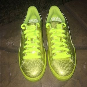 70aed28e5ad6 Puma Shoes - Puma Basket neon Yellow snake print
