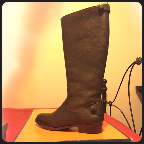 2531142a7d4a Arturo Chiang Shoes - Brand New below knee brown boots