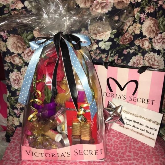 VS Victorias Secret Birthday Holiday Gift Set