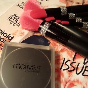 Motives Makeup - Motives by Loren Ridinger & Lala bronzer.