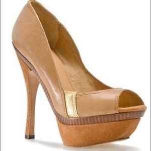 L.a.mb. Gale sky high heel Nude Gold size 9