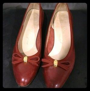 Vintage Vara-style Ferragamo Low Heel Bow Pumps