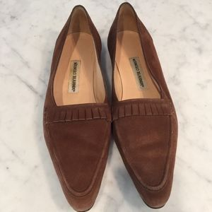 Suede Manolo Blahnik pointed-toe loafers