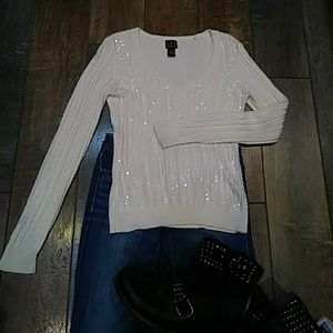 V-neck silk blend sweater with sequin
