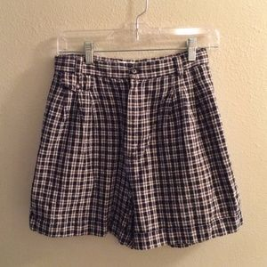 ✨ holiday sale!✨ vintage high-waisted plaid shorts