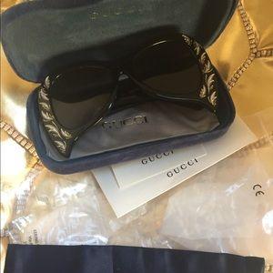 939e2fa66f2 Gucci Accessories - GUCCI  Hollywood Forever  Sunglasses GG0143