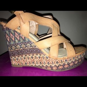 Rampage Cognac with Print Wedge, size 9