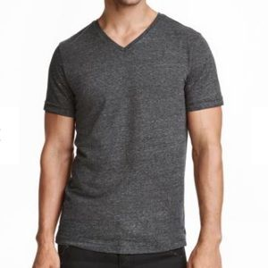 H&M Divided men's gray v-neck