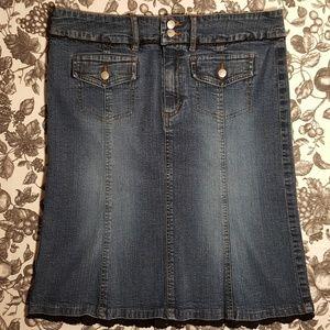 BandolinoBlu Lace Trimmed Denim Skirt