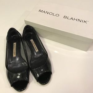 Good condition Manolo Blahnik flats - Authentic