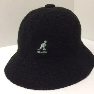 Kangol Black Bermuda Casual Hat size Large NWT