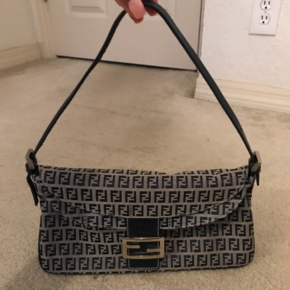 fd1c6ad09e06 Fendi Handbags - TRADE DO NOT BUY! Authentic Vintage Fendi Handbag