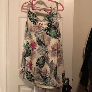 Dresses & Skirts - Tropical dress