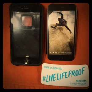 Black life proof case for iPhone 7 Plus!