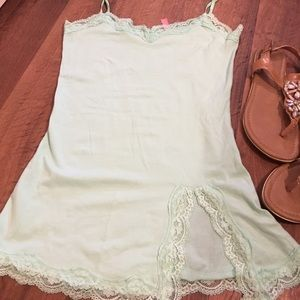 Tops - Mint green lace trimmed tank top!