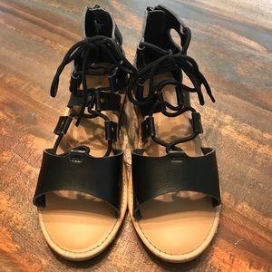 Girls Old Navy black sandals. Size 2.