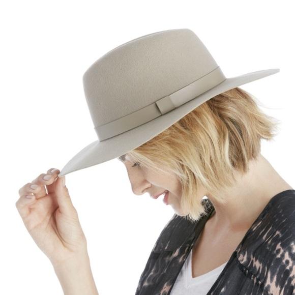 NWOT Sole Society Wide Brim Wool Hat af9dd372627