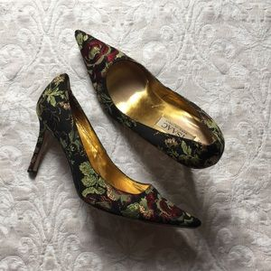 Isaac Mizrahi Floral Pumps, Made in Italy