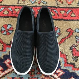 Zara Black Slip-On Sneaker