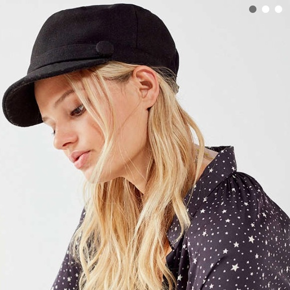 bc775096fe9 Urban Outfitters Accessories - Urban Outfitters Baker Boy Cap
