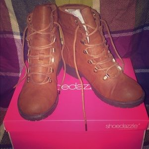 Size:7.5 Heeled ankle boot from Shoe Dazzle