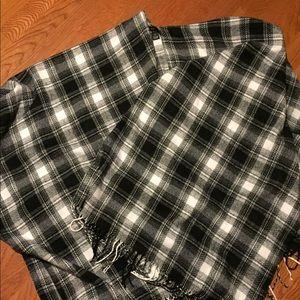 Rue 21 blanket shawl OS