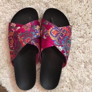 BRAND NEW SLIDES! they are a 10 but run small