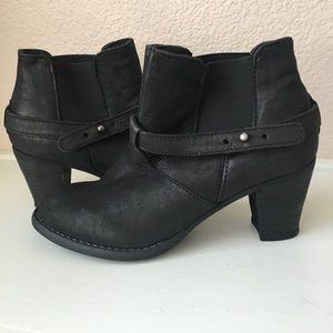 Steve by Steve Madden ankle boots