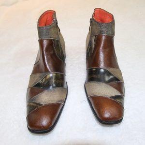 Like New Robert Wayne patchwork boots sz 12