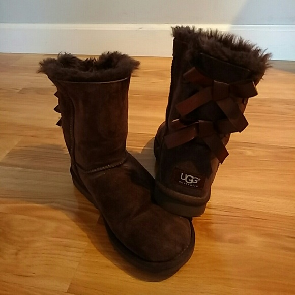 e9c506a93e7 Ugg Bailey Bow Boots Chocolate Brown size 5
