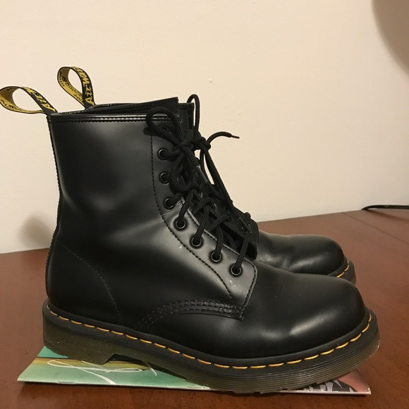 fa0893e1161 Dr. Martens 1460 Smooth Boot