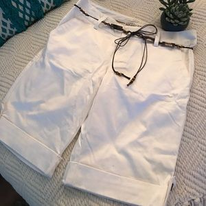 ❤️NWOT Old Navy Low waist Size 8 STRECH Shorts ❤️