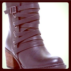 Pretty Faux Leather Booties!