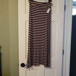 Charlotte russe maxi skirt size medium nwt