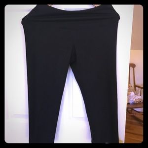 Old navy active patterned cropped leggings