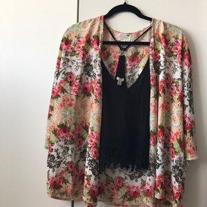 ✨New✨ LA Hearts Floral Kimono Top!