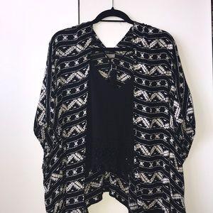 Ecote Black and White Printed Kimono Top!