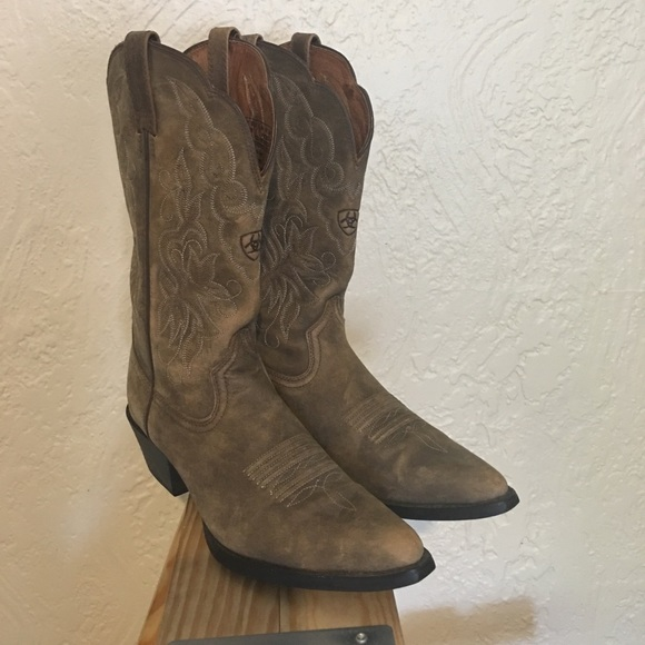 47d608f33ba Ariat Heritage Distressed Brown Boots Size 7.5