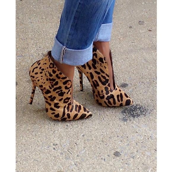 cb2c3034046 Steve Madden Derived Leopard Heel Rare NEW size 8.  M 5a0c9af313302a598c01063e