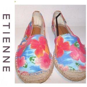 💕SALE💕 Etienne Aigner Floral Loafers