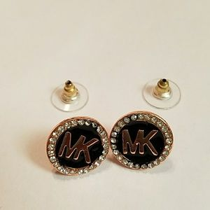 Gorgeous rose gold Crystal and black earrings
